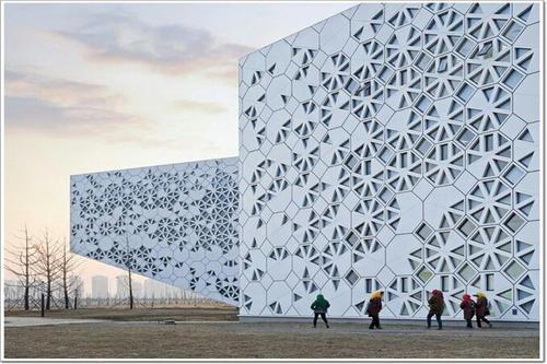 镂空雕花铝单板实用又美观